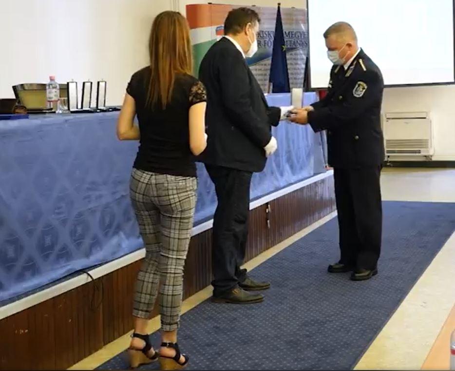 Polgárőr elismerést vehetett át Birtalan Róbert rendőr őrnagy és Dr. Vaslóczki Ferenc rendőr alezredes